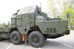 俄国军事设备特写镜头 在城市 平安的时间 高射炮S-300 司机` s小室 免版税库存照片