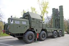 俄国军事设备特写镜头 在城市 平安的时间 高射炮S-300 库存图片