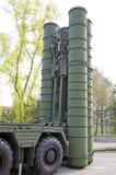 俄国军事设备特写镜头 在城市 平安的时间 高射炮S-300 免版税库存图片