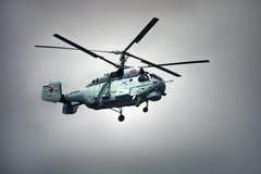 俄国军事运输多用途直升机KA-27 库存照片