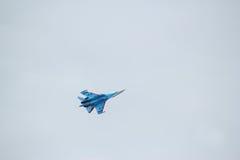 俄国军用飞机展示特技飞行 图库摄影