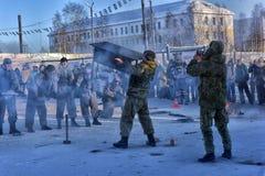 俄国军队着陆队伍的示范表现 库存图片