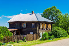 俄国农庄在村庄 免版税库存照片