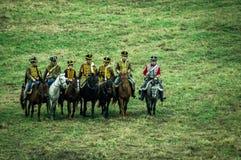 俄国和拿破仑似的军队争斗的重建在俄国市的Maloyaroslavets附近2016年10月23日 库存照片