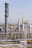 俄国大型炼油厂在夏天白天 库存照片