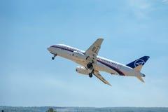 俄国客机苏霍伊超音速喷气飞机100 库存照片