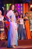俄国小姐穿着国家服装的 图库摄影