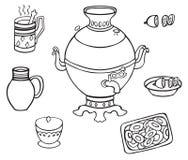 俄国式茶炊用茶和柠檬 库存图片