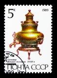 俄国式茶炊, 18世纪,俄国俄国式茶炊serie,大约1989年 免版税库存图片