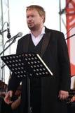 俄国普遍的演员,歌剧歌手鲍里斯pinkhasovich,男中音, Mikhailovsky剧院的星,俄罗斯 在露天舞台 图库摄影