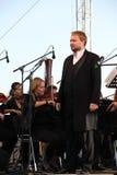俄国普遍的演员,歌剧歌手鲍里斯pinkhasovich,男中音, Mikhailovsky剧院的星,俄罗斯 在露天舞台 免版税库存图片