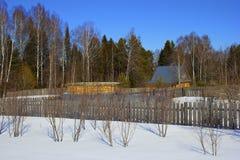俄国村庄在冬天 库存照片