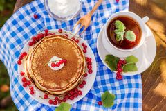 俄国样式薄煎饼 库存图片