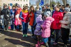 俄国民间冬天节日在2016年3月13日的卡卢加州地区 免版税库存图片