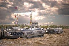 俄国水翼艇轮渡` s 免版税库存照片