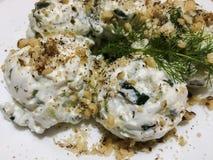 俄国沙拉或Salade russe 新鲜的沙拉 免版税库存图片