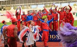俄国田径运动队庆祝DecaNation国际室外游戏的第二个地方 库存照片