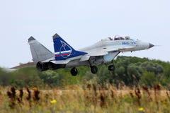 俄国空军执行的测试fli米高扬MiG35 154蓝色  免版税库存照片