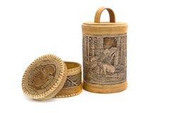 俄国纪念品做了†‹â€ ‹白桦树皮和箱子tuesok 免版税库存照片