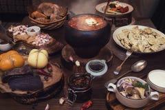 俄国食物桌 免版税图库摄影