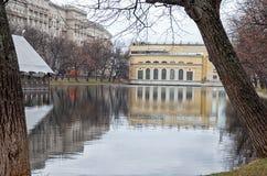 俄国 公园和湖在Chistye的Prudy莫斯科 2017年11月18日 免版税图库摄影