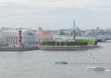 俄国 圣彼得堡, 2017年6月11日- Vasilievsky海岛从 库存图片