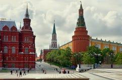 俄国 在红场附近的克里姆林宫段落在莫斯科 2017年5月25日 免版税图库摄影