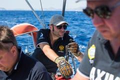 俄国水手参加在希腊海岛群中的航行赛船会第16 Ellada秋天2016年在爱琴海 免版税库存图片