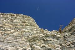俄国 2008 4月3280日上生高加索北部峰顶土坎岩石俄国 它` s所有石灰泥,水泥基地 库存图片