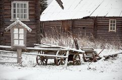 俄国 木房子在Kinerma村庄在卡累利阿 2017年11月16日 库存照片