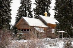 俄国 木教会在Kinerma村庄在卡累利阿 2017年11月16日 库存照片