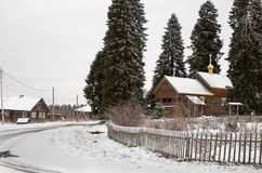 俄国 木教会在Kinerma村庄在卡累利阿 2017年11月16日 库存图片