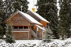 俄国 木教会在Kinerma村庄在卡累利阿 2017年11月16日 免版税库存图片