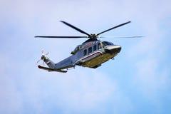 俄国总理` s直升机在天空中 免版税库存照片