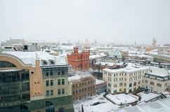 俄国 莫斯科全景从中央儿童` s商店的屋顶的 2018年2月11日 免版税库存图片