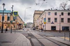 俄国 街道和房子在莫斯科在Chistye Prudy区域  2017年11月18日 免版税库存图片