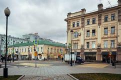俄国 街道和房子在莫斯科在Chistye Prudy区域  2017年11月18日 免版税库存照片