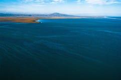 俄国 Chukotka 白令海的海岸 从直升机的视图 库存图片