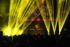 俄国DJ Angelina Lavo在阶段执行 免版税库存照片