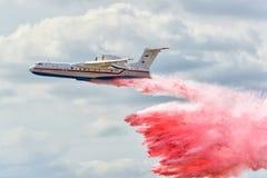 俄国EMERCOM两栖飞机是200 库存图片