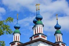 俄罗斯的白色石教会 免版税库存图片