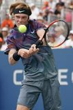 俄罗斯的职业网球球员安德雷Rublev行动的在他的美国公开赛2017秒回合比赛期间 免版税库存图片