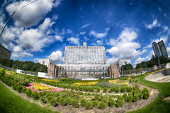 俄罗斯联邦& x28的政府的议院; 白色House& x29; Fisheye 莫斯科 俄国 库存照片