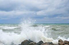 俄罗斯,克拉斯诺达尔地区, Dzhubga 在黑海的风暴在10月 免版税库存图片