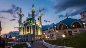 俄罗斯,共和国鞑靼斯坦共和国、Qul谢里夫或Kol谢里夫在有夜照明的喀山克里姆林宫 时间间隔,美好 股票录像