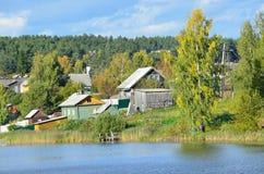 俄罗斯,卡累利阿,农村风景在村庄Conchezero 库存图片