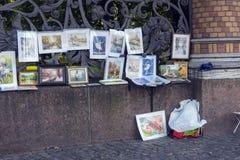 俄罗斯,圣彼德堡,艺术家23,09,2017工作在销售中的在t 库存图片