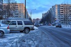 俄罗斯,圣彼德堡, 17,01,2013在一现代睡觉a的街道 免版税图库摄影