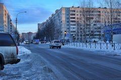 俄罗斯,圣彼德堡, 17,01,2013在一现代睡觉a的街道 免版税库存图片