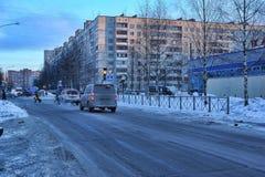 俄罗斯,圣彼德堡, 17,01,2013在一现代睡觉a的街道 库存照片